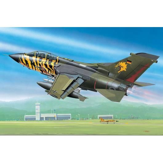 REVELL 1:144 Panavia Tornado (04048)