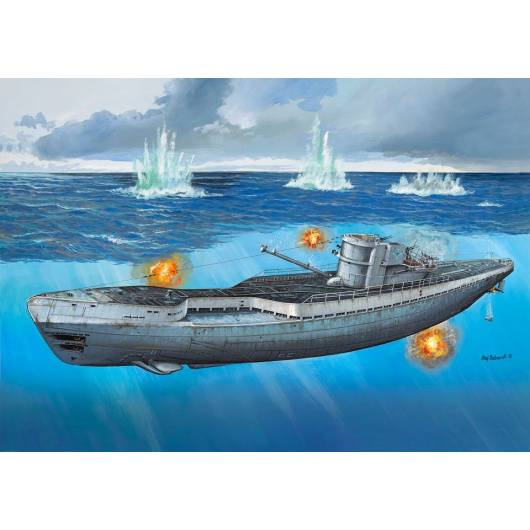 REVELL 1:72 German Submarine Type IX C/40 (05133)