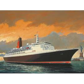 REVELL 1:1200 The Queen Elizabeth II (05806)